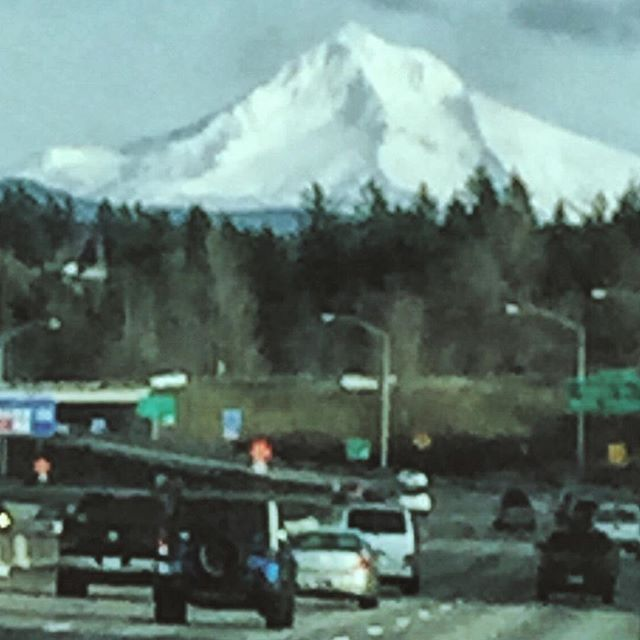 Oh hi Mt. Hood. Thanks for showing up today. #clearskies #blurrypicture #mounthood #roadtrippin #IChooseBeauty Day 821