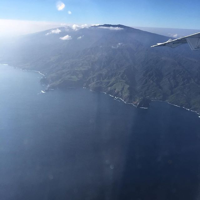 West Maui mountains from our flight to Honolulu. Stunning! #islandhopping #IChooseBeauty Day 1145