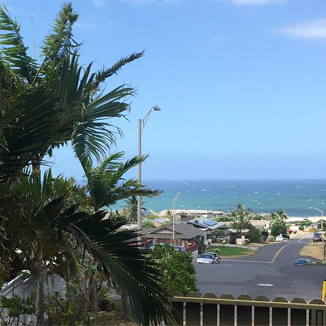 Little peek-a-boo ocean view from our new condo. #feelingblessed #IChooseBeauty Day 1330