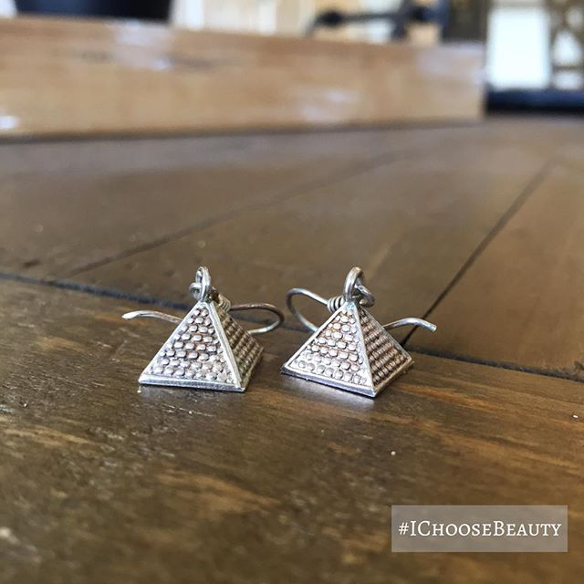 I love it when I find jewelry I forgot I had. Like this pair of pyramid earrings from Egypt. ️️️ #itsthelittlethingsinlife #IChooseBeauty Day 1675