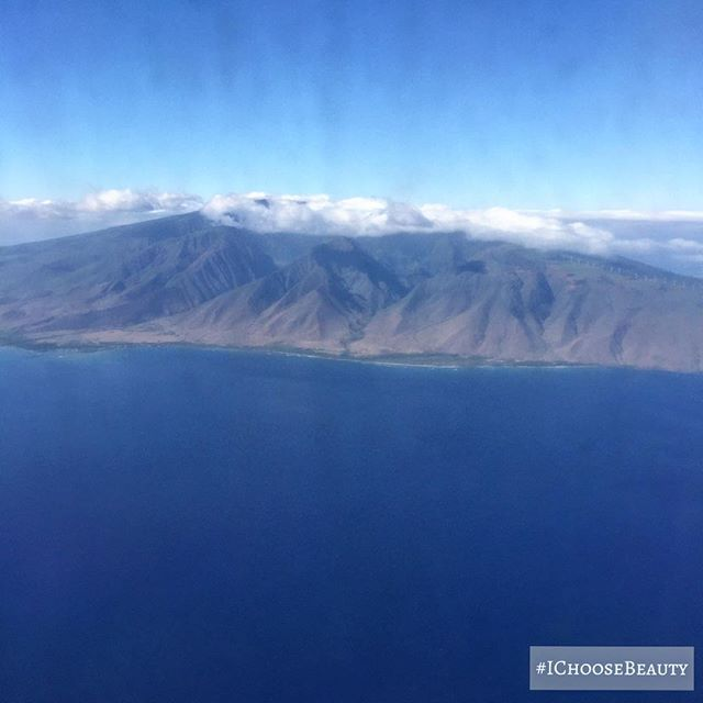 Looking good, Maui! #viewfromabove #breathtakingview #IChooseBeauty Day 1451