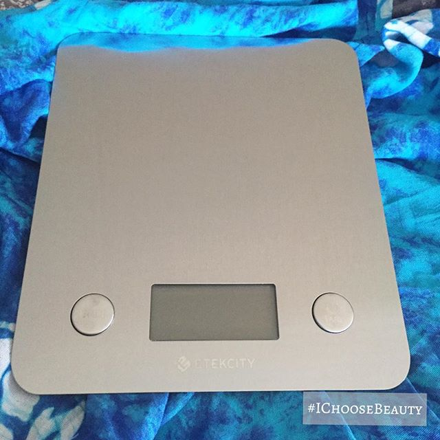 I'm kind of in love with my new kitchen scale. #kitchengeek #ilovegadgets #IChooseBeauty Day 1761