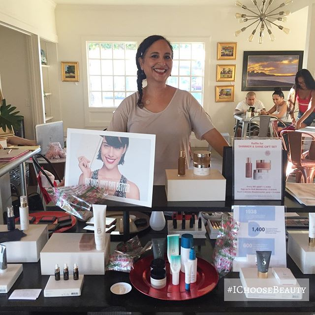 So thankful for @sipmemaui for supporting me and my Beautycounter business! We small businesses gotta stick together! ️️ #ichoosebeauty Day 1836