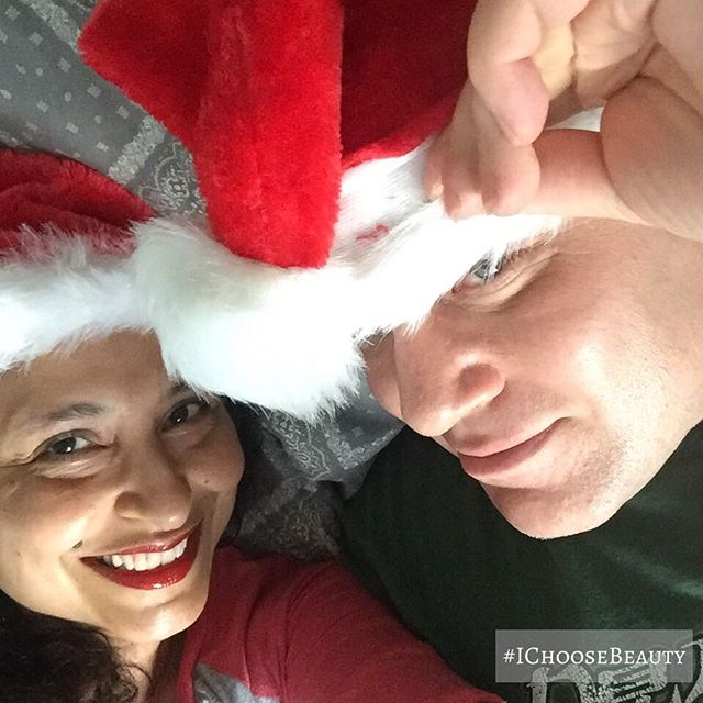 We're enjoying a super lazy day. 🥰 Merry Christmas, friends! xxxooo ️️️ #christmas2018 #ichoosebeauty Day 1561
