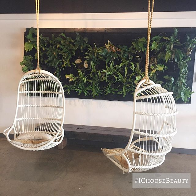 Love these hanging chairs at one of my favorite coffee shops here. Such a cool vibe. @akamaicoffee  #ichoosebeauty Day 1919