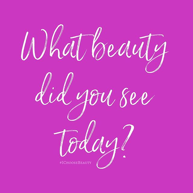 If you're like the old me, you're probably rushing around your life going to work, running errands, etc. and barely noticing your surroundings. It's easy to do. But when you challenge yourself to really look for beauty as you go about your day, you'll be amazed at what you see. That's what happened to me after I started the #IChooseBeauty project. Things I passed by before and didn't notice suddenly stood out to me! So, I ask you... what beauty did you see today? Tell me in the comments! #lifeslittlethings #littlethingsthatmakemehappy #littlethingsmakemehappy #beautyinlife #momentsoflife #momentsintime #momentscaptured #noticethelittlethings#itsthelittlethings #simplethings #itsthelittlethingsinlife #simplethingsinlife #simplethingsmadebeautiful #beautyeverywhere #beautyiseverywhere #lookaround #seeksimplicity #seekthesimplicity #bepresent #presentmoment #gratefulness  #liveinthemoment #mindfulliving⠀#mentalwellness #mentalhealthmatters #mentalhealthsupport  #mentalhealthadvocate