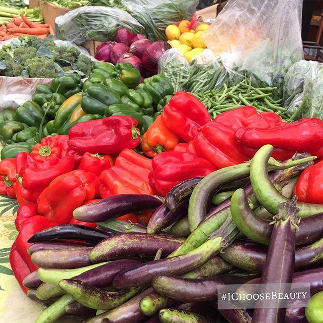 Farmers market beauties. #ichoosebeauty Day 2085
