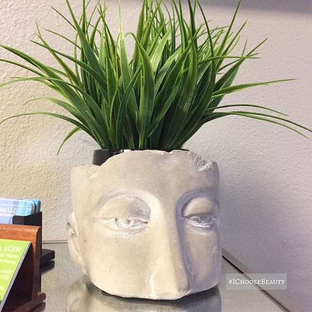 Want.  But only if someone else can keep the plant alive for me and my brown thumb. #ichoosebeauty Day 2291