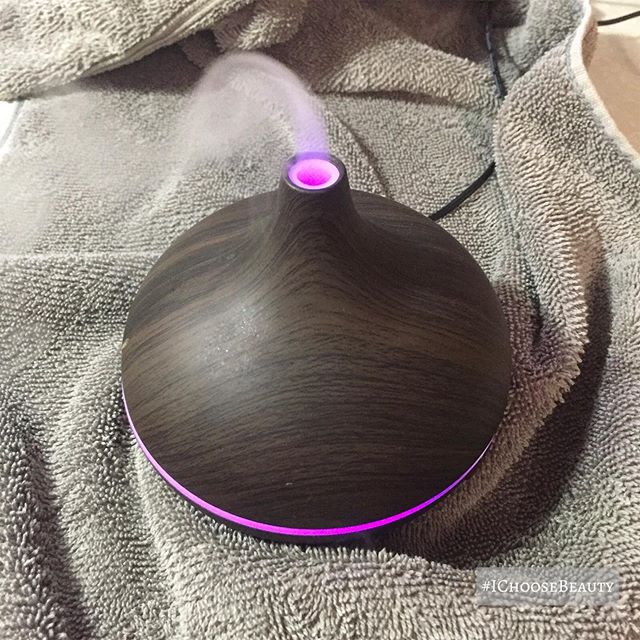 Diffusing lavender essential oil for a little self care today. It's just what I needed for some calmness.  What have you been doing for self care during this stressful time? Share it in the comments so we can all get ideas from each other.  #ichoosebeauty Day 2310